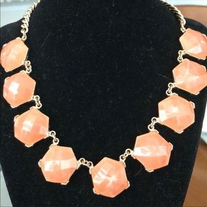 CORAL CHUNKY FASHION JEWELRY NECKLACE